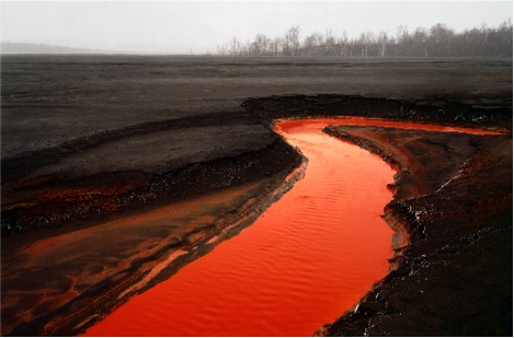 Edward Burtynsky. Nickel Tailings no.34  ( Edward Burtynsky, courtesy Nicholas Metivier Gallery, Toronto / Flowers, London)