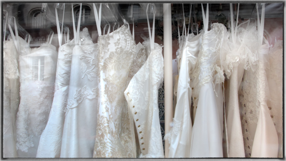 Paris Wedding Dresses_small_ 2