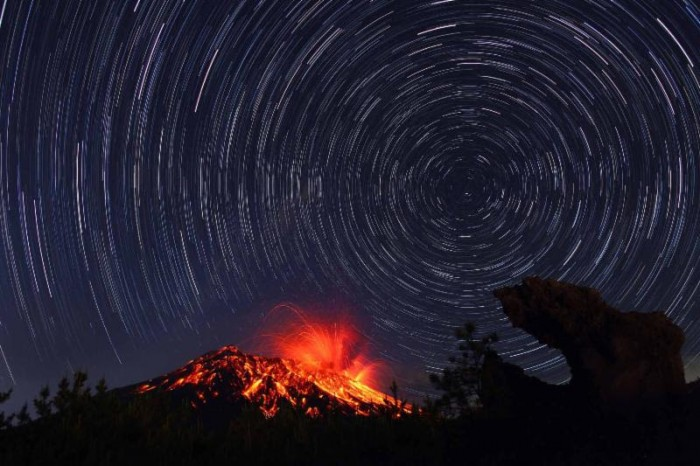 From Arimura village, the Showa crater, the most active volcano in Sakurajima, cannot usually be seen  unless some of the cinders soar really high.