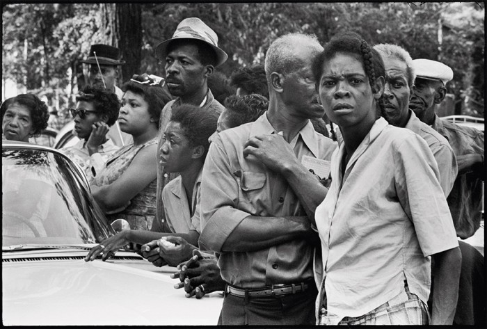 Crowds along the funeral route of the four girls murdered in the bombing of the 16th Street Baptist church, Birmingham, Alabama, September 1963 / Student Non-violent Coordinating Committee (SNCC), 1964–62