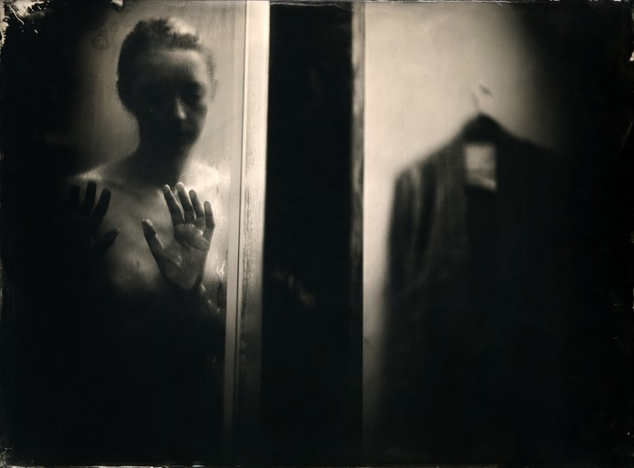 Gesa douche - 18 x 24 - Ambrotype - 2014