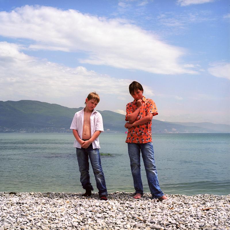 Artem and Ilya, Novorossiysk embankment. Maria Gruzdeva/Schilt Publishing