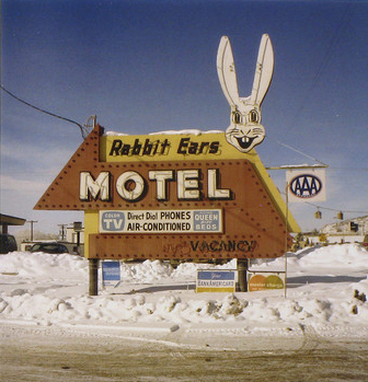 photo-eye_steve-fitch_rabbit-ears-motel