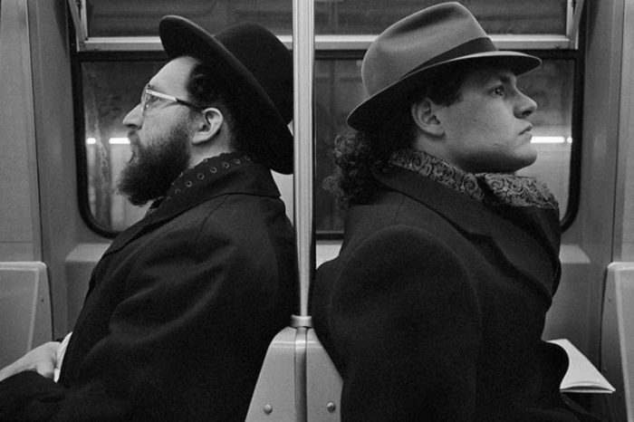 Hasid and Hipster, NYC, 2001© Richard Sandler / The Eyes of the City